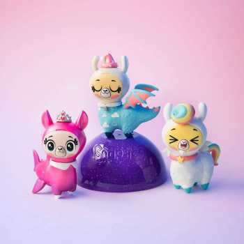 Funko Snapsies Toy, Mix and Match Surprise Blind Capsule with Accessories