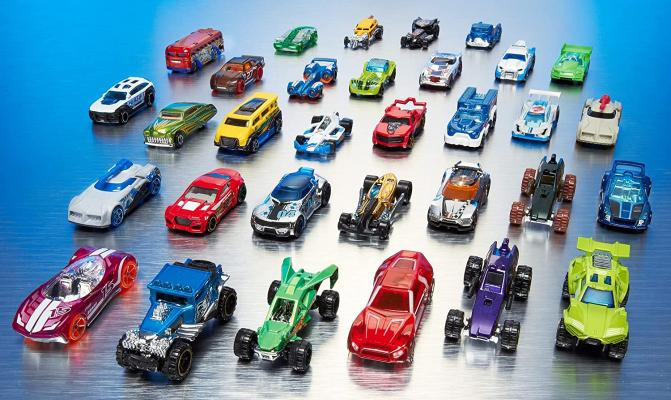 Hot Wheels 20-Car Pack of 1:64 Scale Vehicles, Gift for Collectors & Kids Ages 3 Years Old & Up